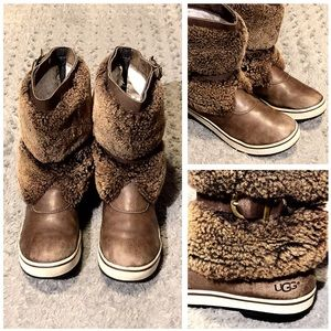 Women's UGG Lilyan Boots paid $320 Size 8 Leather